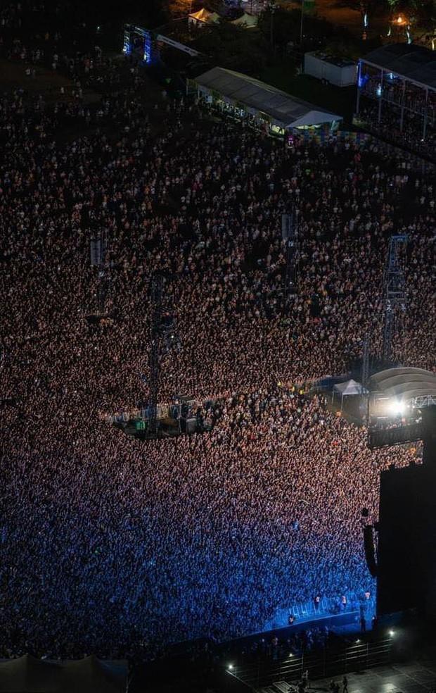 Choáng váng với hình ảnh gần 400 nghìn người đi quẩy đại nhạc hội tại Mỹ cách đây vài ngày, như chưa hề có dịch Covid-19! - Ảnh 2.