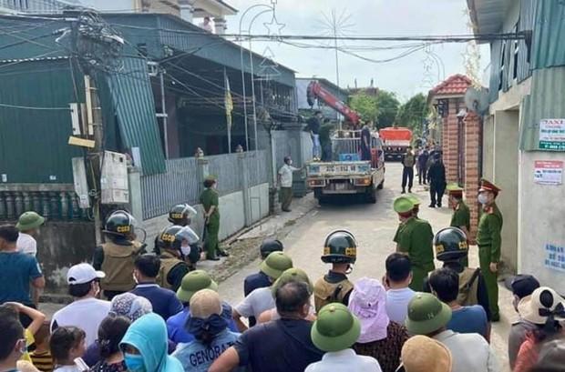 Vụ 17 con hổ ở Nghệ An: Hàng xóm bất ngờ khi sát nhà là nơi nuôi thú dữ - Ảnh 1.