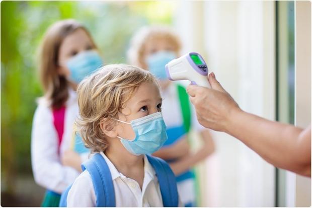 Số ca mắc Covid-19 ở trẻ em và thanh thiếu niên tại Mỹ tăng tới 84% trong một tuần - Ảnh 1.