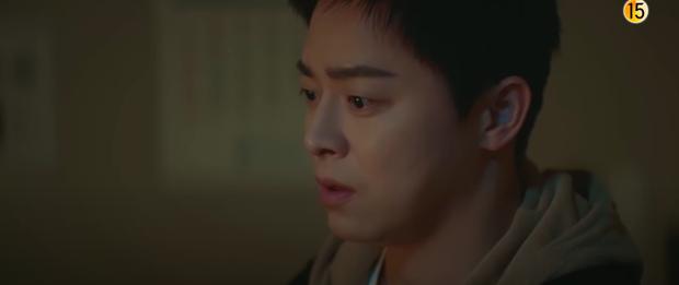 Preview Hospital Playlist 2 tập 8: Jeong Won suy sụp vì bạn gái bỏ rơi, mẹ lâm bệnh nặng khó cứu chữa? - Ảnh 8.