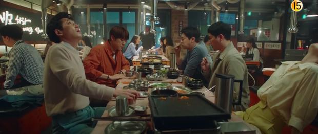 Preview Hospital Playlist 2 tập 8: Jeong Won suy sụp vì bạn gái bỏ rơi, mẹ lâm bệnh nặng khó cứu chữa? - Ảnh 9.