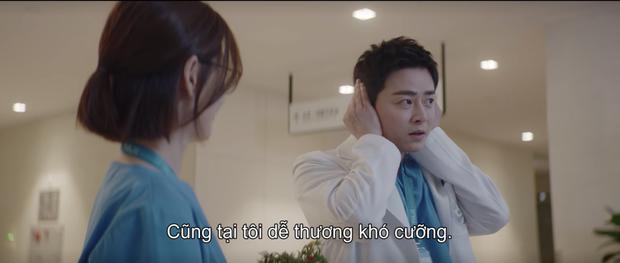 Hospital Playlist 2 tập 7: Gia đình Ik Jun - Song Hwa cắm trại tâm tình siêu ngọt, đôi Vườn Đông đụng độ biến lớn  - Ảnh 4.