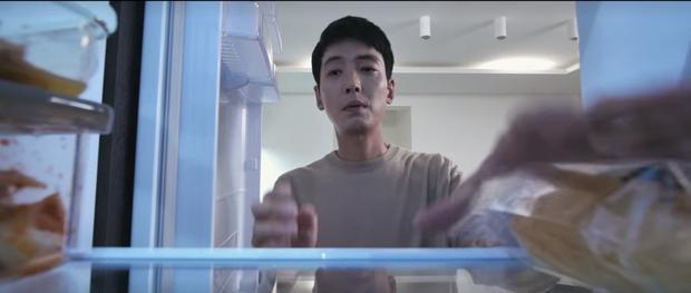Hospital Playlist 2 tập 7: Gia đình Ik Jun - Song Hwa cắm trại tâm tình siêu ngọt, đôi Vườn Đông đụng độ biến lớn  - Ảnh 8.