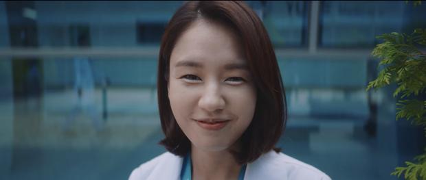 Hospital Playlist 2 tập 7: Gia đình Ik Jun - Song Hwa cắm trại tâm tình siêu ngọt, đôi Vườn Đông đụng độ biến lớn  - Ảnh 9.