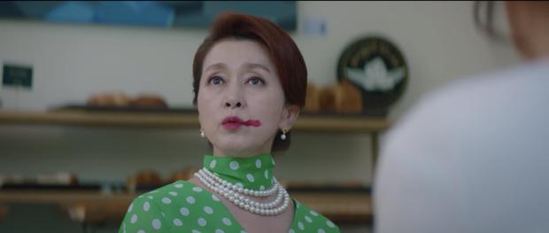 Hospital Playlist 2 tập 7: Gia đình Ik Jun - Song Hwa cắm trại tâm tình siêu ngọt, đôi Vườn Đông đụng độ biến lớn  - Ảnh 10.