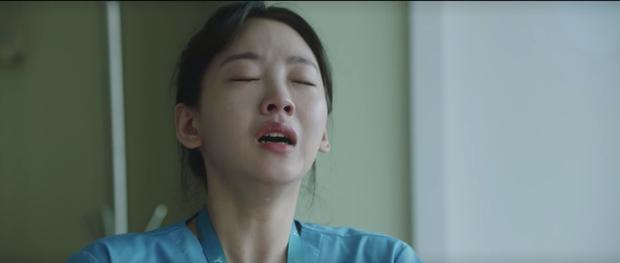 Hospital Playlist 2 tập 7: Gia đình Ik Jun - Song Hwa cắm trại tâm tình siêu ngọt, đôi Vườn Đông đụng độ biến lớn  - Ảnh 15.