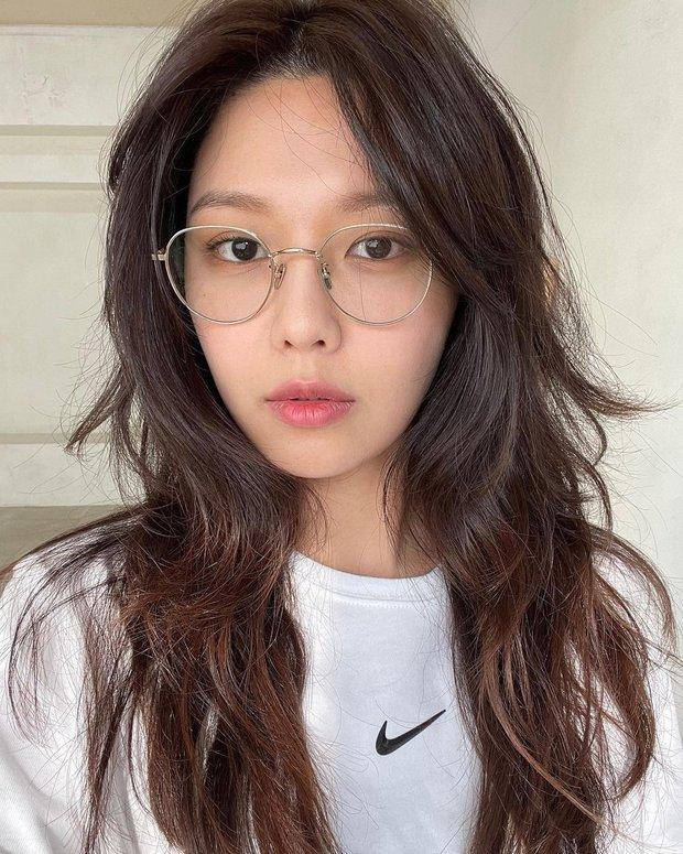 Nhan sắc của SNSD ngày mới ra mắt và bây giờ: Yoona - Taeyeon xứng danh nữ thần, loạt thành viên kém sắc lột xác thấy rõ - Ảnh 38.
