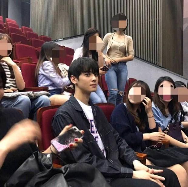 Thử chụp lén dàn tài tử Hàn: Hyun Bin khí chất nghẹt thở, Lee Min Ho chân siêu dài, Lee Dong Wook - Park Seo Joon đẹp điên lên - Ảnh 10.