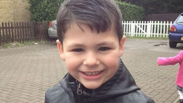 Cậu bé 12 tuổi bất ngờ qua đời bí ẩn ngay sau tiệc sinh nhật, đến khi kiểm tra tài khoản TikTok của con người mẹ mới bật khóc nức nở - Ảnh 1.