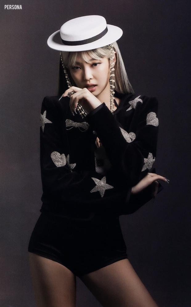 Xả ảnh HD chưa từng công bố của BLACKPINK: Choáng khi zoom cận mặt Jennie, Jisoo o ép vòng 1 đè bẹp thánh body Lisa - Rosé - Ảnh 4.