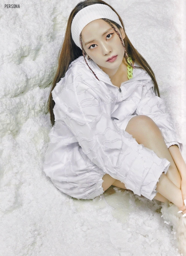 Xả ảnh HD chưa từng công bố của BLACKPINK: Choáng khi zoom cận mặt Jennie, Jisoo o ép vòng 1 đè bẹp thánh body Lisa - Rosé - Ảnh 12.