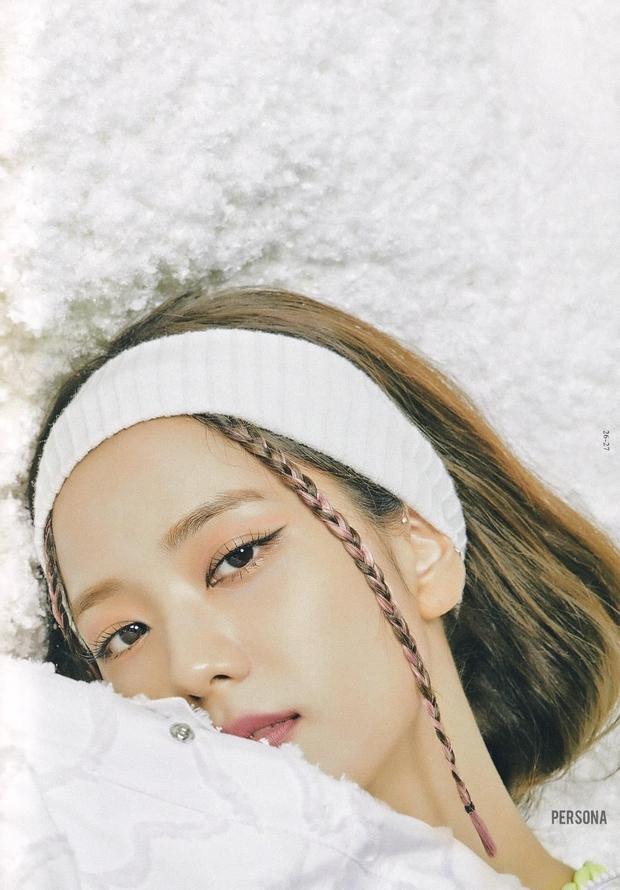 Xả ảnh HD chưa từng công bố của BLACKPINK: Choáng khi zoom cận mặt Jennie, Jisoo o ép vòng 1 đè bẹp thánh body Lisa - Rosé - Ảnh 11.
