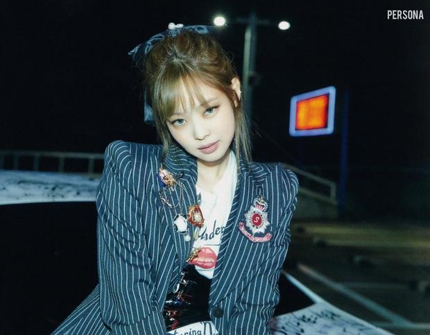 Xả ảnh HD chưa từng công bố của BLACKPINK: Choáng khi zoom cận mặt Jennie, Jisoo o ép vòng 1 đè bẹp thánh body Lisa - Rosé - Ảnh 6.