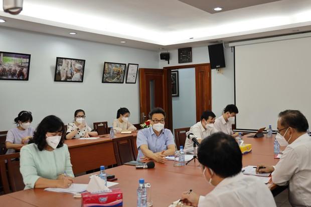Phó Thủ tướng: Đảm bảo lương thực, thực phẩm thiết yếu cho người dân TP.HCM - Ảnh 2.