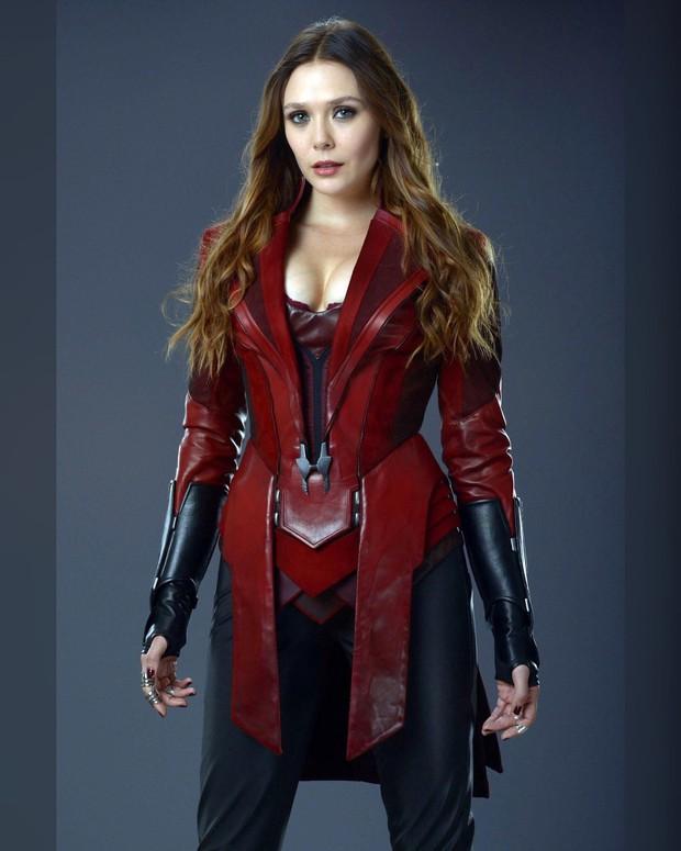 Có 1 mỹ nhân Avengers sexy hơn cả Góa Phụ Đen, vòng 1 khủng đến nỗi Đội Trưởng Mỹ Chris Evans phải dán mắt soi trên thảm đỏ - Ảnh 11.