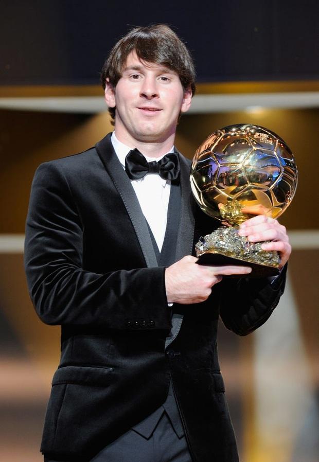 Toàn bộ sự nghiệp vĩ đại của Messi tại Barcelona qua ảnh - Ảnh 13.