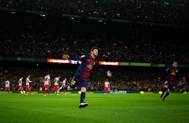 Toàn bộ sự nghiệp vĩ đại của Messi tại Barcelona qua ảnh - Ảnh 19.