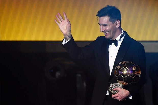 Toàn bộ sự nghiệp vĩ đại của Messi tại Barcelona qua ảnh - Ảnh 22.