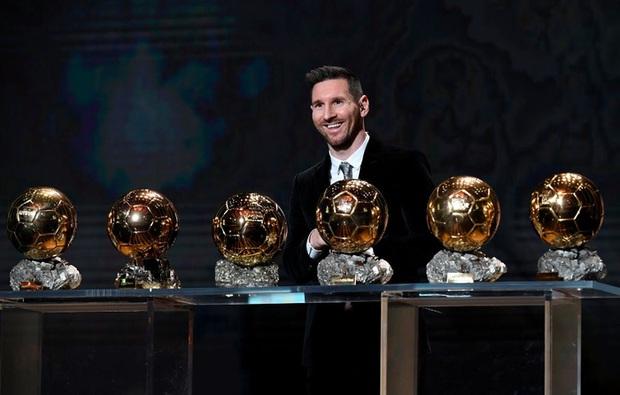 Toàn bộ sự nghiệp vĩ đại của Messi tại Barcelona qua ảnh - Ảnh 27.