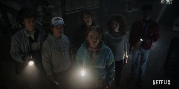 Đập hộp teaser nóng của Stranger Things 4: Eleven bị bắt đi tra tấn, bóng hồng xinh đẹp mới chính thức được debut? - Ảnh 4.