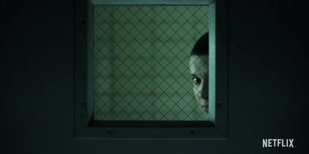 Đập hộp teaser nóng của Stranger Things 4: Eleven bị bắt đi tra tấn, bóng hồng xinh đẹp mới chính thức được debut? - Ảnh 8.