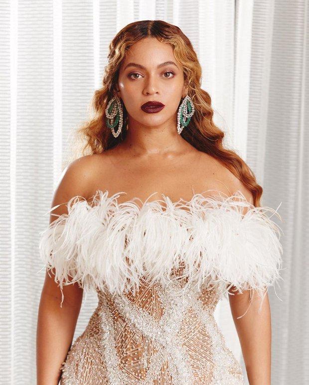 10 sao nữ lọt top 100 người phụ nữ giàu nhất nước Mỹ: Rihanna chính thức thành tỷ phú, Kylie kiếm cỡ nào mà vượt Taylor Swift? - Ảnh 8.