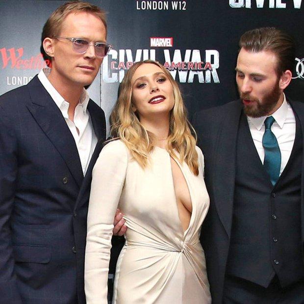 Có 1 mỹ nhân Avengers sexy hơn cả Góa Phụ Đen, vòng 1 khủng đến nỗi Đội Trưởng Mỹ Chris Evans phải dán mắt soi trên thảm đỏ - Ảnh 6.