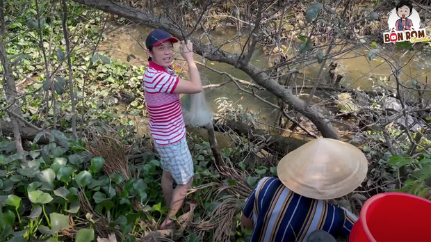 Nghệ sĩ Hoài Linh khoe vườn nhà mình có 1 loại cây quý mọc trái đột biến, dân mạng khẳng định: Cây này tiền tỷ cũng không bán! - Ảnh 1.