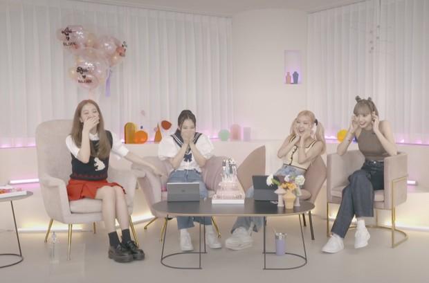 Lisa mọc sừng với tạo hình mới hậu quay MV solo, Rosé muốn chui lại vào bụng mẹ nếu được quay về quá khứ? - Ảnh 6.