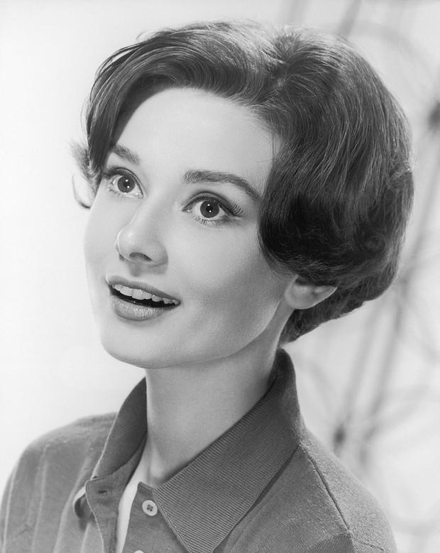 Audrey Hepburn: IT Girl đời đầu, nàng thơ của Givenchy, cảm hứng thời trang khiến hậu thế kính cẩn nghiêng mình - Ảnh 2.