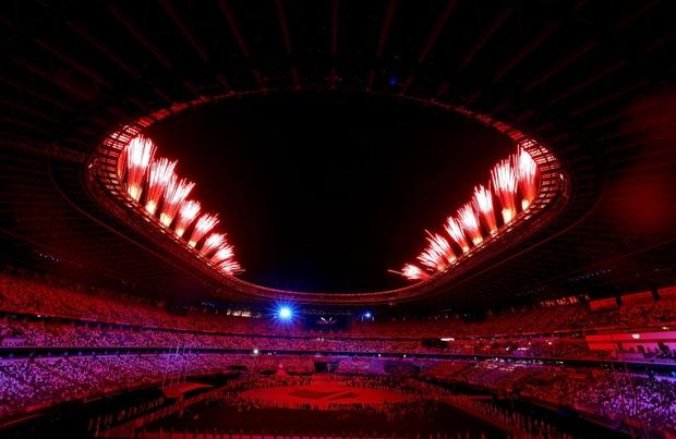 Nổi hết da gà trước màn trình diễn Dòng sông ngân hà huyền ảo trong lễ bế mạc Olympic 2020 - Ảnh 10.