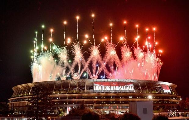 Nổi hết da gà trước màn trình diễn Dòng sông ngân hà huyền ảo trong lễ bế mạc Olympic 2020 - Ảnh 11.
