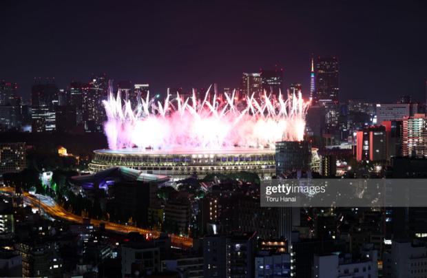 Nổi hết da gà trước màn trình diễn Dòng sông ngân hà huyền ảo trong lễ bế mạc Olympic 2020 - Ảnh 14.
