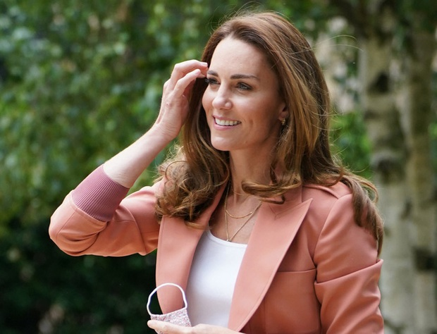 Công nương Kate gặt hái thành công mới khiến Meghan ấm ức trong lòng, fan nhà Sussex cũng cứng họng - Ảnh 1.