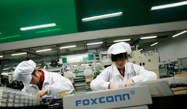 Trung Quốc khát nhân lực sản xuất iPhone, công ty thi nhau treo thưởng khủng để thu hút công nhân - Ảnh 2.