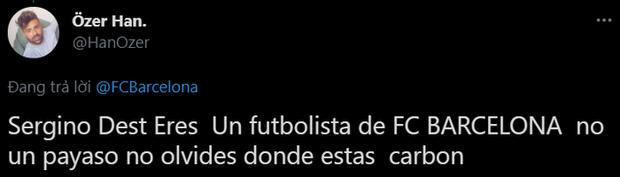 Sao trẻ Barca ăn mặc như trò hề tới dự lễ chia tay huyền thoại Messi, fan giận dữ đòi đuổi ngay khỏi đội - Ảnh 17.