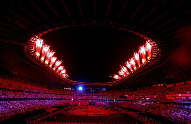 Mãn nhãn với màn pháo hoa tuyệt đẹp khép lại Olympic 2020 - Ảnh 3.
