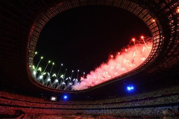 Mãn nhãn với màn pháo hoa tuyệt đẹp khép lại Olympic 2020 - Ảnh 8.