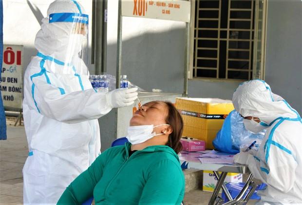 Đà Nẵng thêm 19 bệnh nhân khỏi bệnh, số ca Covid-19 cộng đồng giảm sâu so với tuần trước - Ảnh 1.