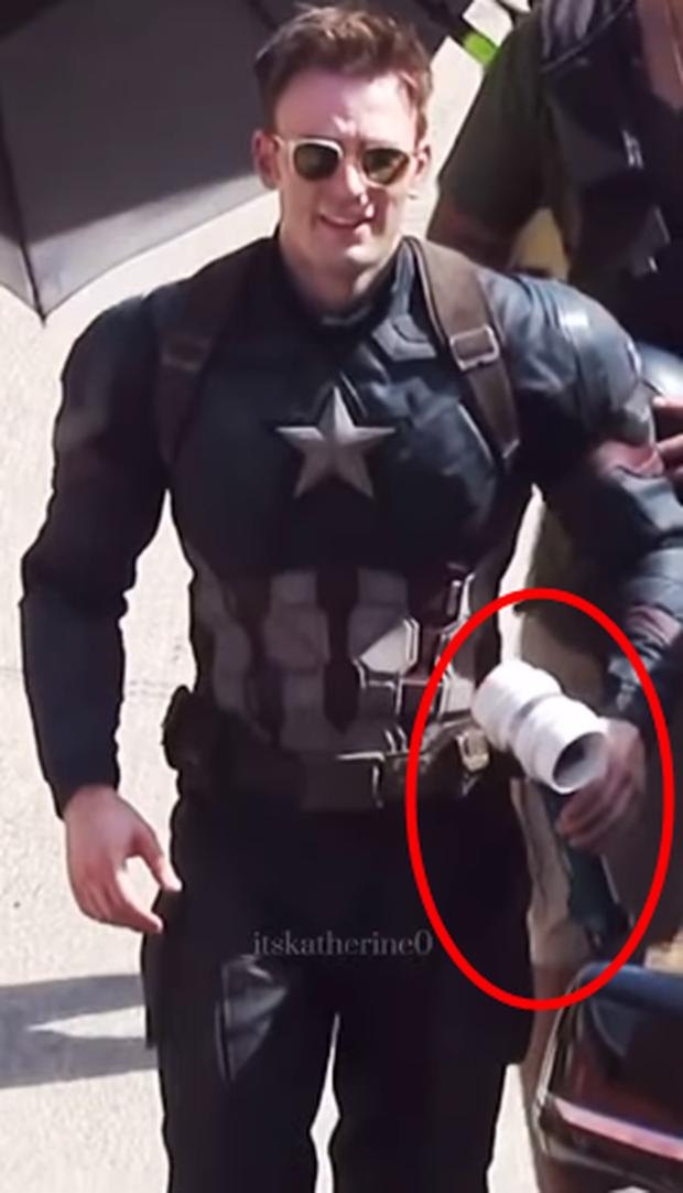 Rầm rộ lại hậu trường Đội trưởng Mỹ Marvel thả dáng chuẩn còn đẹp trai xỉu, ai dè spoil mạnh tình tiết Endgame cực quan trọng? - Ảnh 5.