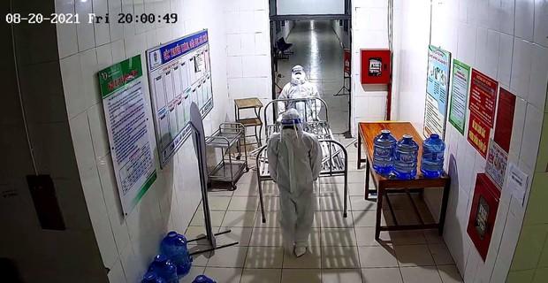 Nghệ An: 8 nhân viên y tế tại bệnh viện dã chiến dương tính SARS-CoV-2 - Ảnh 2.