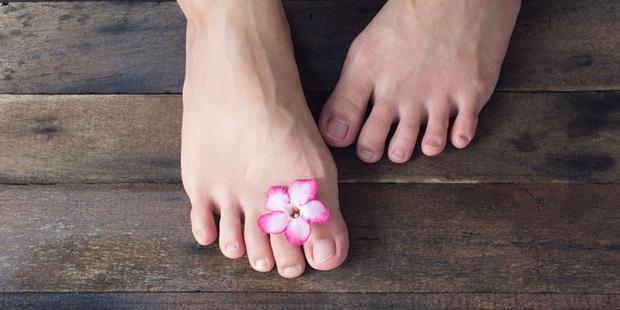 8 dấu hiệu trên bàn chân cảnh báo cơ thể bạn đang lão hoá dần - Ảnh 3.