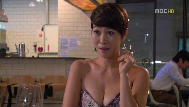 Loạt phim Hàn bị ném đá dữ dội vì cảnh khoe thân phản cảm: Vòng 1 phụ nữ thành công cụ câu kéo rating? - Ảnh 4.