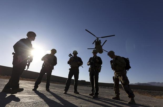 Tổng thống Biden tuyên bố Mỹ hoàn tất rút quân khỏi Afghanistan - Ảnh 1.