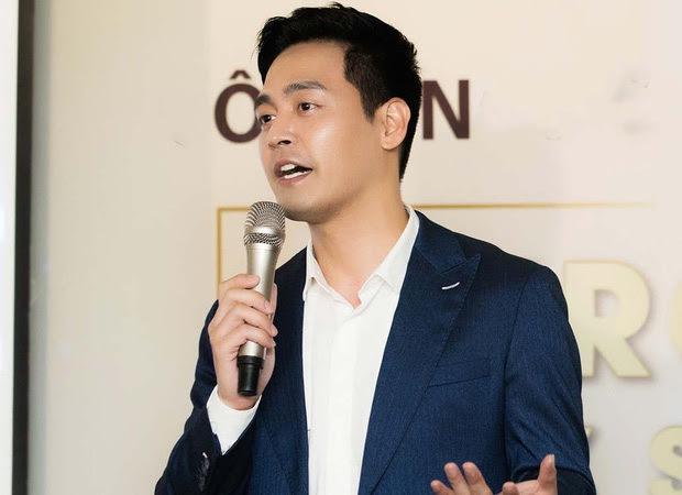 MC Phan Anh lên tiếng trước loạt tin đồn bị cấm sóng, tậu nhà đẹp, xe sang, con học trường quốc tế sau khi kêu gọi từ thiện - Ảnh 7.