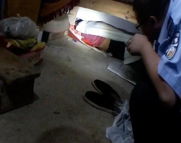 Con trai mất tích 3 ngày không dấu vết, bố mẹ khóc ngất đi tìm khắp nơi, cuối cùng phát hiện ở nơi không ngờ nhất làm cảnh sát cũng phải sốc - Ảnh 2.