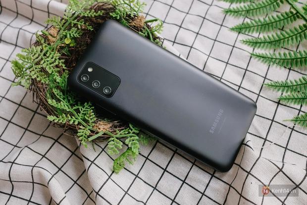 Trải nghiệm Samsung Galaxy A03s: Smartphone bình dân với màn hình và pin lớn - Ảnh 12.