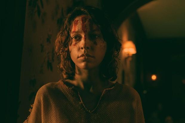 Thuê trọ không đọc review, cô gái bị hành hạ bởi quỷ dữ trong căn nhà không-lối-thoát: Phim kinh dị mới của Netflix khiến khán giả rợn người! - Ảnh 4.