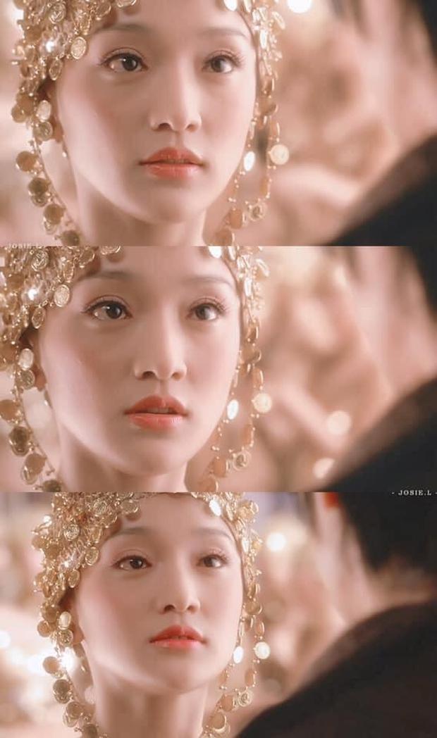 Phát hiện bộ cánh dát vàng của Lisa trong MV mới là hàng mượn từ một đại hoa đán nổi tiếng xứ Trung? - Ảnh 5.