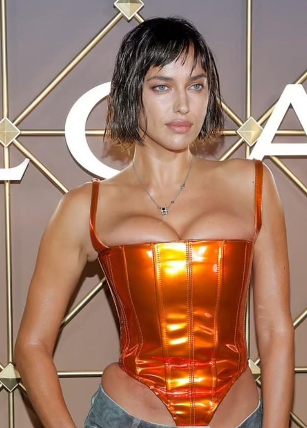 Kinh hoàng người mẫu nổi tiếng bức tử body trong corset siêu chật, nhìn hình PTS mà ám ảnh! - Ảnh 2.